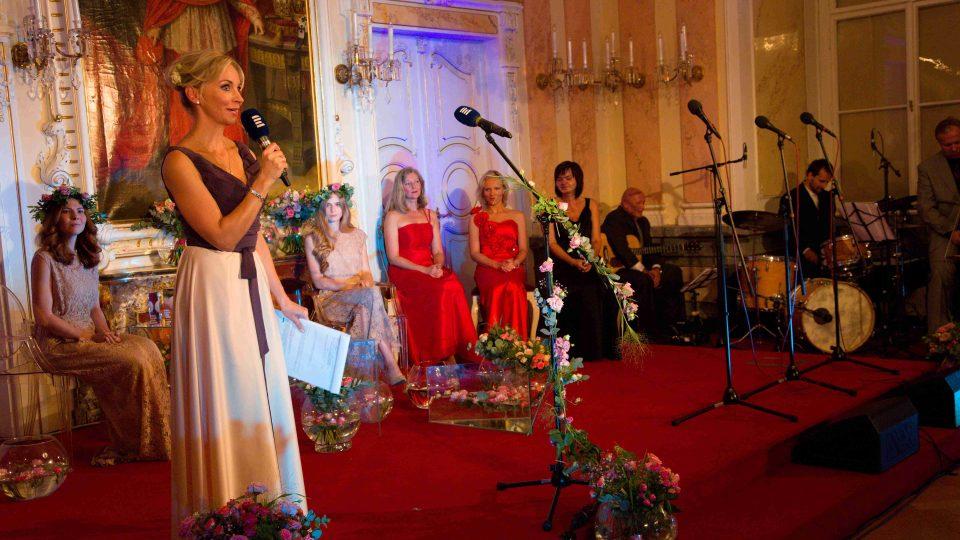 Slavnostní večer Prix Bohemia Radio, moderátorka Jitka Novotná